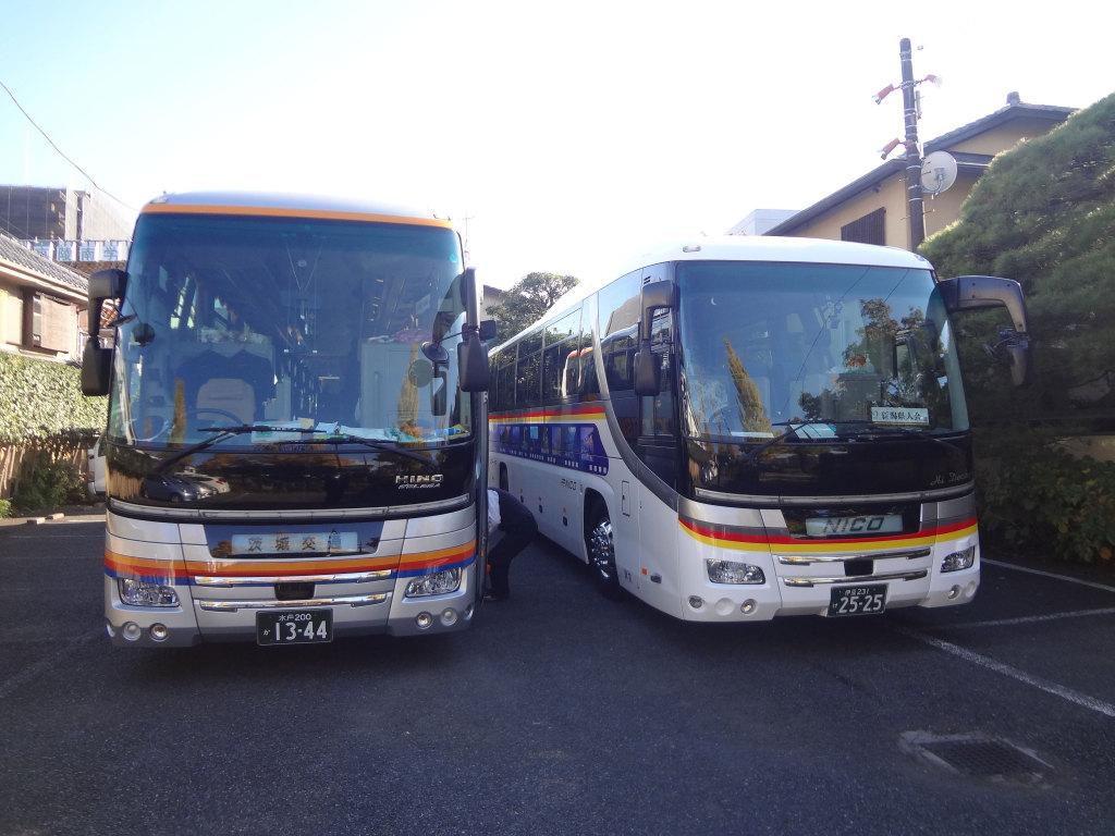 大型バス駐画像
